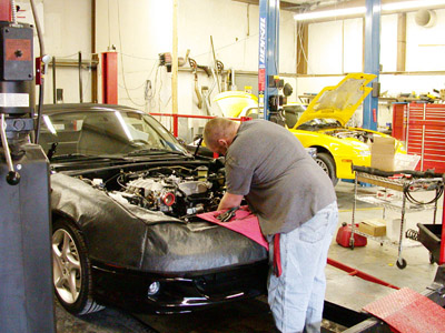Auto Racing Mechanic on Engine Installation And Auto Repair By Eddies Performance Eddies